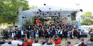 Gebze Teknik Üniversitesi mezuniyetinde evlenme teklifi