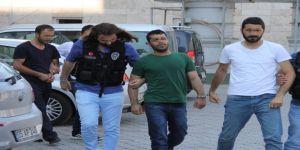 Eroin sevkiyatında yakalanan 3 kişi tutuklandı