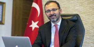 Bakan Kasapoğlu'ndan Yankı Erel'e tebrik