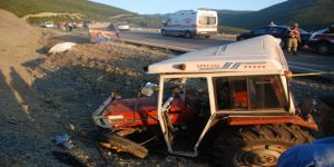 Traktör şarampole yuvarlandı: 3 ölü, 32 yaralı