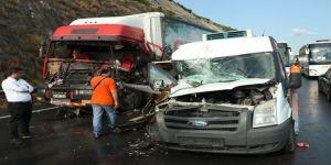 Telefonla video çekerken kazayı kaydetti