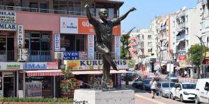 'Atatürk Heykeli' takdir topluyor