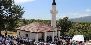 İki defa yıkılan cami üçüncü kez ibadete açıldı