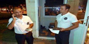 Güvenlikçiler içi para dolu çantayı polise teslim etti
