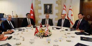 Çavuşoğlu, KKTC Cumhurbaşkanlığı'nda