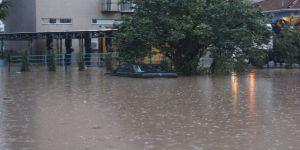 Kocaeli'de sağanak yağmur sonrası sel