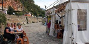 Kosovalı kadınlarından gözleme çadırı projesi