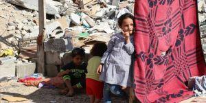 Gazze'ye artık gelinlik ve biberon da var