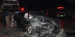 İki otomobil çarpıştı: 1 ölü, 5 yaralı
