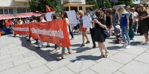 Kadınlara uygulanan şiddet protesto edildi
