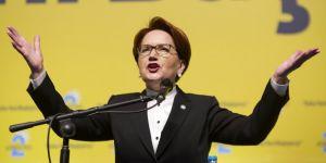 Meral Akşener yeniden seçildi