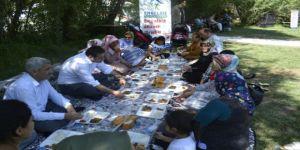 Bin kişilik piknik