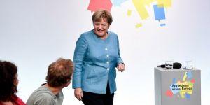 Merkel, Almanların endişelerini ve beklentilerini dinledi