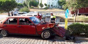 Bir otomobil takla attı ortalık savaş alanına döndü