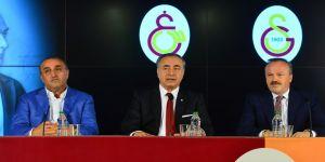 """Mustafa Cengiz: """"Emre Akbaba ile 4 yıllık anlaşma sağladık"""""""