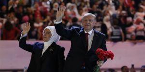 Erdoğan'ın salona girişinde dikkati çeken şarkı