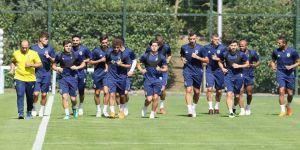 Fenerbahçe antrenmanlara başladı