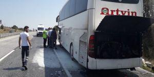 Otobüsün motoru alev aldı, yolcular tahliye edildi