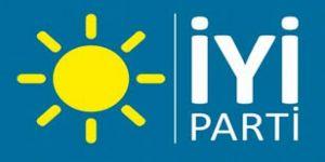 İYİ Parti İzmir İl Başkanlığında 140 kişi istifa etti