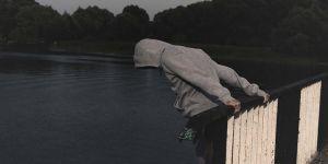 Çözümü intiharda arayan gençler