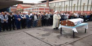 Hayatını kaybeden işçi için tören