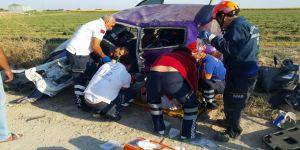 Otomobil takla attı: 1'i bebek 3 yaralı