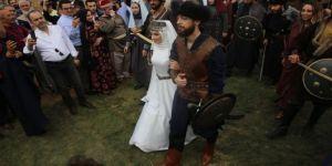 Recep Akdağ'ın oğlu, oba düğünüyle evlendi