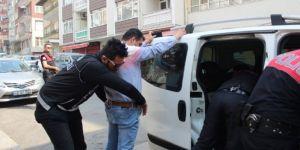 Okulun ilk gününde polisten asayiş uygulaması