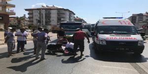 Otobüsün çarptığı Norveçli turist ağır yaralandı