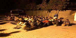 52 kaçak göçmen yakalandı