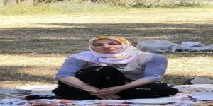 Ayı ve kurt saldırısından gizlenerek kurtulan kadın, kuşburnu yiyerek hayatta kaldı