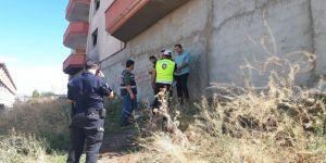Polis metruk binaları taradı