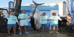 190 kiloluk dev balık