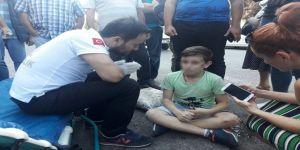 Kazada yaralandı, annesi gelmeden ambulansa binmek istemedi