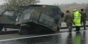 Askeri araç kaza yaptı: 3 yaralı