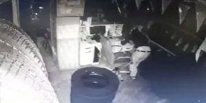 Hırsızlar 7 dakikada lastik dükkanını boşalttı