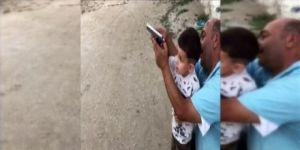 Maganda baba 4 yaşındaki oğluna ateş ettirdi