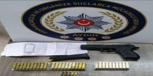 25 kişi adına düzenlenmiş senetle yakalandılar