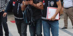 Suriyeli telefon satıcısını gasp ettiler