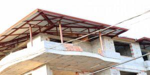 İnşaatta çalışan işçiler 4. kattan aşağı düştü: 1 ölü, 1 yaralı