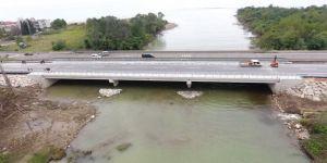 Selin yıktığı köprü trafiğe açıldı