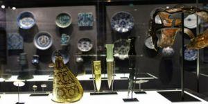 'İslam Sanat Eserleri' Paris Louvre Müzesi'nde sergileniyor
