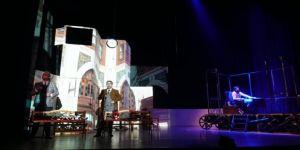 Cahit Zarifoğlu'nun Yaşamak'ı tiyatro sahnesinde