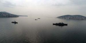 İstanbul açıklarında denizaltı ve savaş gemileri!
