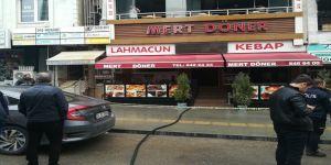 Gebze de restoranda çıkan yangında dumandan etkilenen 3 kişi hastanelik oldu