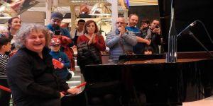 Ünlü piyanist Tuluyhan Uğurlu Cumhuriyet Bayramı'nda konser veriyor