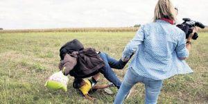 Mültecilere çelme takan gazeteci beraat etti