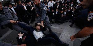 Ultra-Ortodoks Yahudilerin gösterisine müdahale