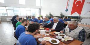 Başkan Karaosmanoğlu işçilerle buluştu