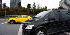 Taksici engelli yolcuyu almak isteyen UBER aracına saldırdı